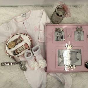 New baby girl bundle, Mud pie, kissy kissy